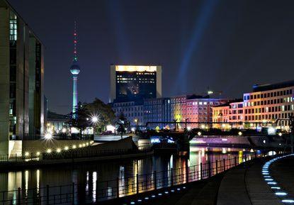 nachtleben in berlin unsere ausgehtipps berlin bei nacht. Black Bedroom Furniture Sets. Home Design Ideas