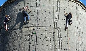Kletterausrüstung In Berlin Kaufen : Kletterhallen kletterparks kletteranlagen in berlin